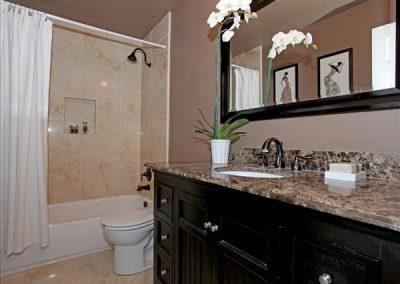 Hall Bathroom (Falon)