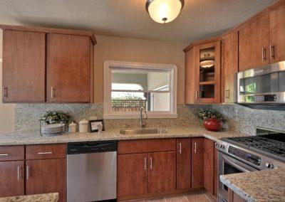 Kitchen (Pine)